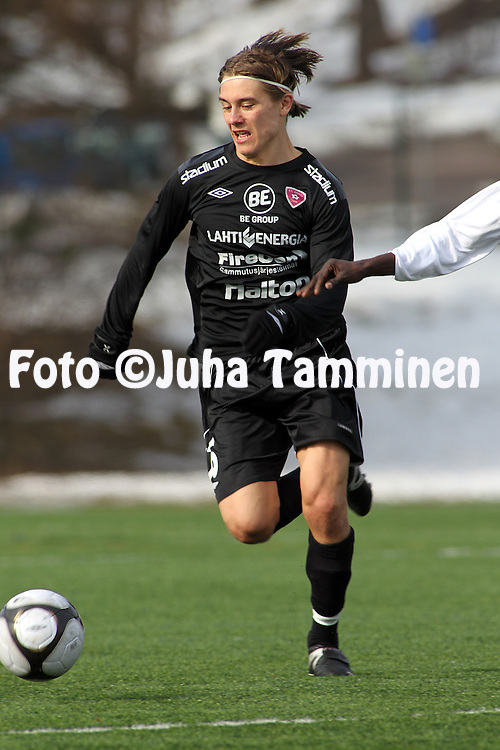 01.04.2010, Kisapuiston tekonurmi, Lahti..Harjoitusottelu FC Lahti - FC KooTeePee.Pekka Sihvola - FC Lahti.©Juha Tamminen.