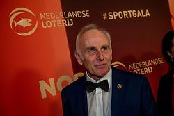21-12-2016 NED: Sportgala NOC * NSF 2016, Amsterdam<br /> In de Amsterdamse RAI vindt het traditionele NOC NSF Sportgala weer plaats / Hendrik Gerardus Joseph (Joop) Zoetemelk (Den Haag, 3 december 1946) is een Nederlands oud-wielrenner, die geldt als één van de beste Nederlandse ronderenners ooit. Hij won in 1979 de Ronde van Spanje, in 1980 de Ronde van Frankrijk en werd in 1985 wereldkampioen op de sportief gezien hoge leeftijd van 38 jaar.