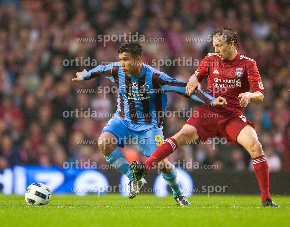 19.08.2010, Anfield Road, Liverpool, ENG, UEFA EL, Liverpool Fc vs Trabzonspor, im Bild Liverpool's Lucas Leiva and Trabzonspor's Teofilo Gutierrez, EXPA Pictures © 2010, PhotoCredit: EXPA/ Propaganda/ D. Rawcliffe *** ATTENTION *** UK OUT! / SPORTIDA PHOTO AGENCY