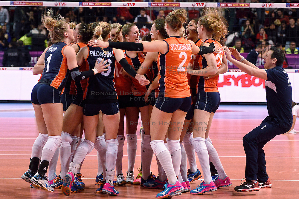 06-01-2016 TUR: European Olympic Qualification Tournament Turkije - Nederland, Ankara<br /> Nederland wint met 3-0 van Turkije / Nederland viert feest na de fantastische 3-0 overwinning op Turkije. Coach Giovanni Guidetti springt in het feest gedruis