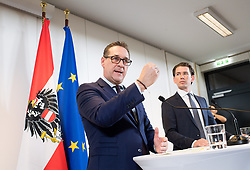 28.11.2017, Ausweichquartier Parlament, Wien, AUT, Koalitionsverhandlungen von ÖVP und FPÖ anlässlich der Nationalratswahl 2017, im Bild FPÖ-Chef Heinz-Christian Strache und ÖVP-Chef Sebastian Kurz // Head of the Austrian Freedom Party (FPOe) Heinz-Christian Strache and Head of the Austrian Peoples Party (OeVP) Sebastian Kurz during coalition negotiations between the Austrian Peoples Party and Austrian Freedom Party due to general elections 2017 in Vienna, Austria on 2017/11/28, EXPA Pictures © 2017, PhotoCredit: EXPA/ Michael Gruber