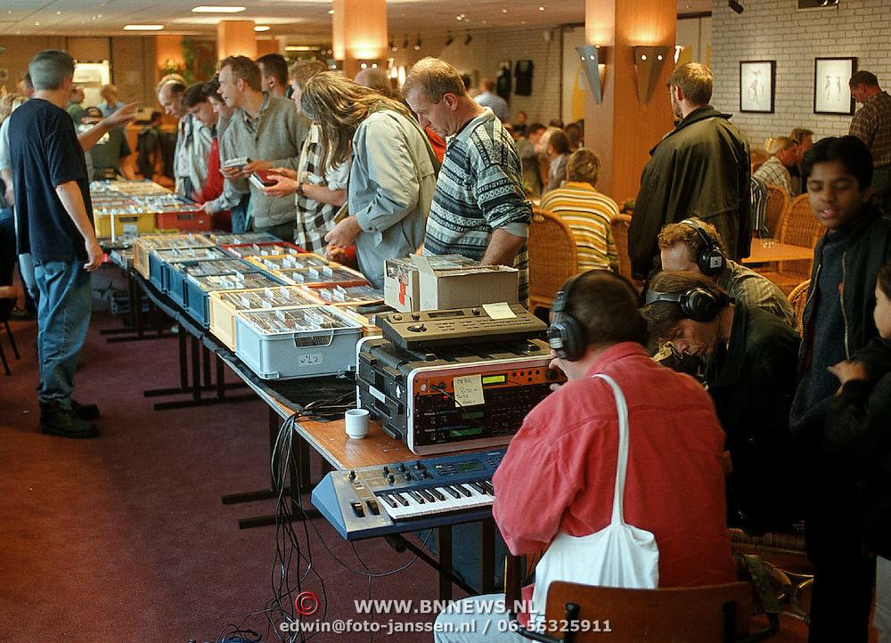 Electronic Music Festival in 3 in 1 Huizen