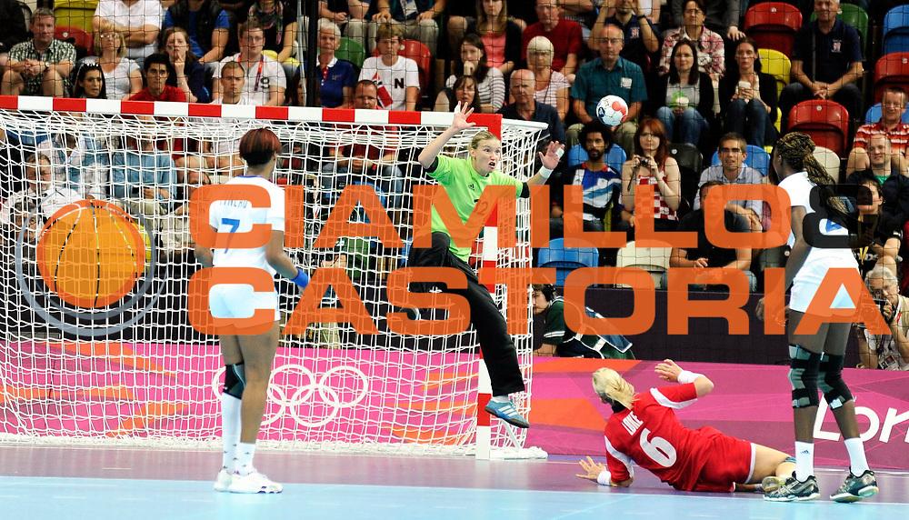 TDESCRIZIONE : France Hand Jeux Olympiques Londres <br /> GIOCATORE : LEYNAUD Amandine FRA<br /> SQUADRA : France Femme<br /> EVENTO : FRANCE Hand Jeux Olympiques<br /> GARA : FRANCE NORVEGE<br /> DATA : 28 07 2012<br /> CATEGORIA : Hand Jeux Olympiques<br /> SPORT : Handball<br /> AUTORE : JF Molliere