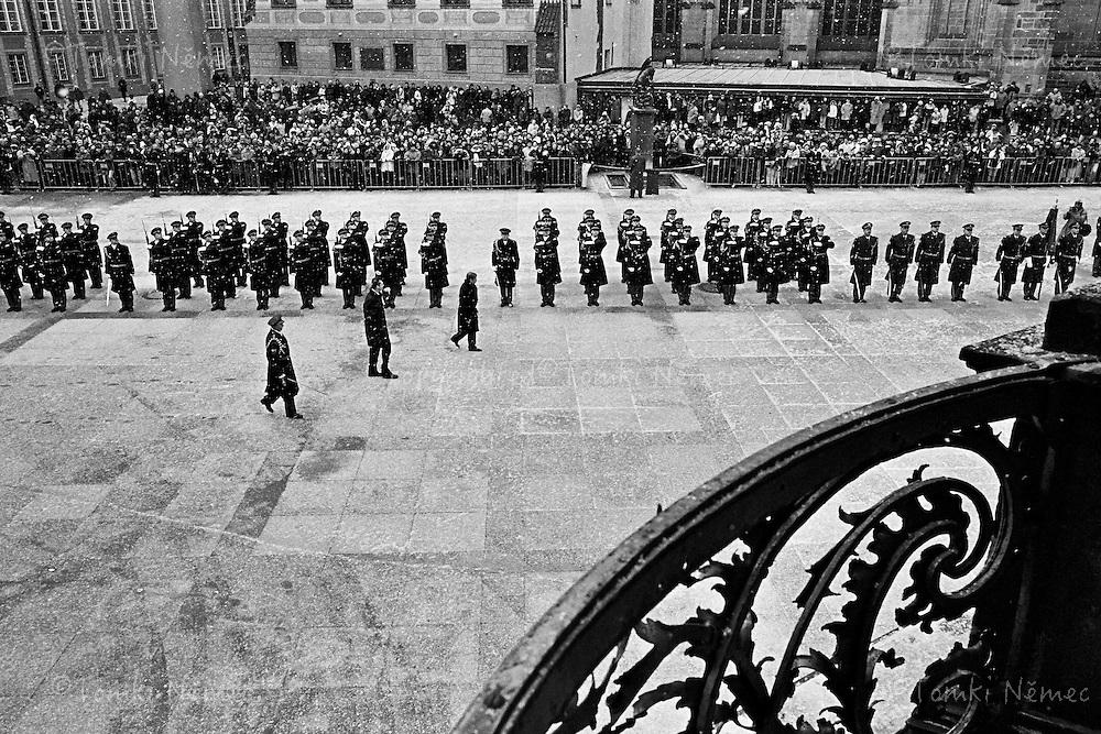 Czech Republic, Prague Castle, 02 February 2003 - Zaverecny den mandatu prezidenta republiky_02.02.2003. Vojenska prehlidka na Prazskem hrade