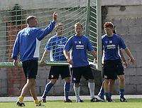 Jena , 140807 , Saison 2007/2008 ; Fussball 2.Bundesliga  FC Carl Zeiss Jena  v.l. Trainer Frank NEUBARTH , Stefan KUEHNE , Sandor TORGHELLE und Niels HANSEN (alle Jena)