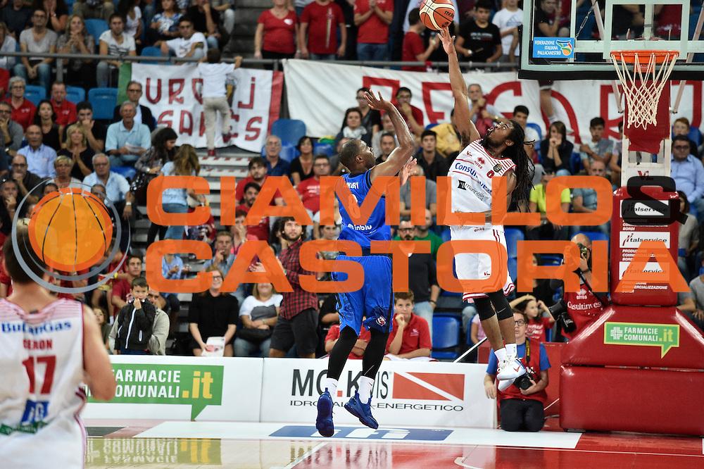 Landry marcus, Thornton Marcus<br /> Consultinvest Pesaro - Germani Basket Brescia<br /> BASKET Serie A 2016 <br /> Pesaro 02/10/2016 <br /> FOTO CIAMILLO