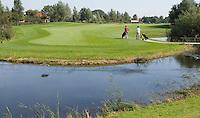ALMKERK - Hole 1 op Golfclub Almkreek. COPYRIGHT KOEN SUYK