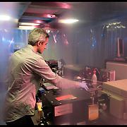 Istituto Italiano di Tecnologia di Genova,.. nella foto:  Nanophysics - Spectroscopy Lab..Attraverso l'utilizzo di laser a varia lunghezza d'onda, i materiali vengono analizzati per ..indagare le loro proprietà fisiche