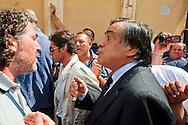 Roma 11 Settembre 2012.I lavoratori della GESIP, multiservizi di Palermo a rischio liquidazione protesta davanti il Parlamento in concomitanza del tavolo di discussione, a cui il sindaco Orlando si presenta con un piano di liquidazione della GESIP a fine 2012, per arrivare alla costituzione di una società consortile partecipata al 51% dal Comune stesso.Il sindaco di Palermo Leoluca Orlando incontra i lavoratori  per spiegare i risultati della riunione con il governo..