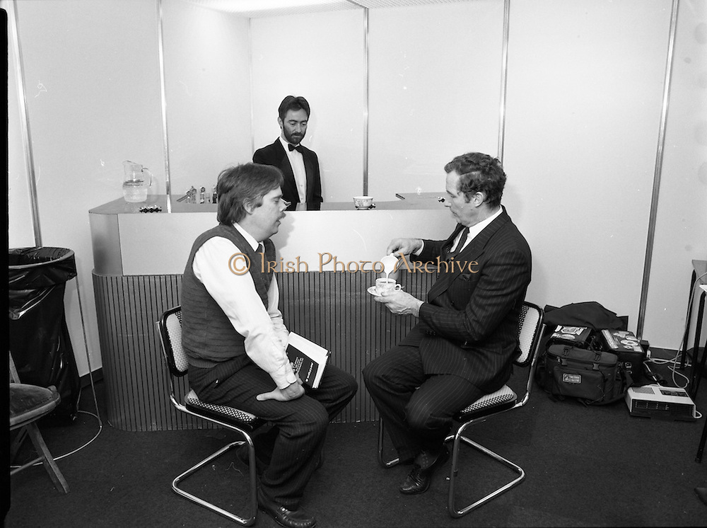 05/01/1989.01/05/1989.5th January 1989.The Aer Lingus Young Scientist of the Year Award at the RDS, Dublin ..Picture shows Michael Smith, T.D., Minister for Energy having a break at the Young Scientist Exhibition.