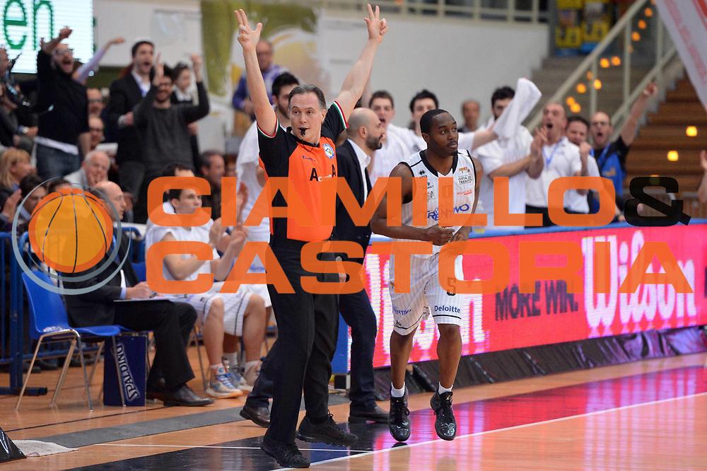 DESCRIZIONE : Trento Final Four Eurobet 2013 Semifinale Novipiu Casale Monferrato Bitumcalor Trento<br /> GIOCATORE : Michael Umeh<br /> CATEGORIA : Esultanza Controcampo<br /> SQUADRA : Bitumalcalor Trento<br /> EVENTO : Trento Final Four Eurobet 2013<br /> GARA : Novipiu Casale Monferrato Bitumcalor Trento<br /> DATA : 09/03/2013<br /> SPORT : Pallacanestro<br /> AUTORE : Agenzia Ciamillo-Castoria/GiulioCiamillo<br /> Galleria : Legadue Trento Final Four Eurobet 2013<br /> Fotonotizia : Trento Final Four Eurobet 2013 Semifinale Novipiu Casale Monferrato Bitumcalor Trento