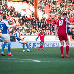Aberdeen v Kilmarnock, Scottish Premiership, 27th January 2018<br /> <br /> Aberdeen v Kilmarnock, Scottish Premiership, 27th January 2018 &copy; Scott Cameron Baxter | SportPix.org.uk<br /> <br /> Aberdeen Right Back Shay Logan swings in a cross to the Kilmarnock box.