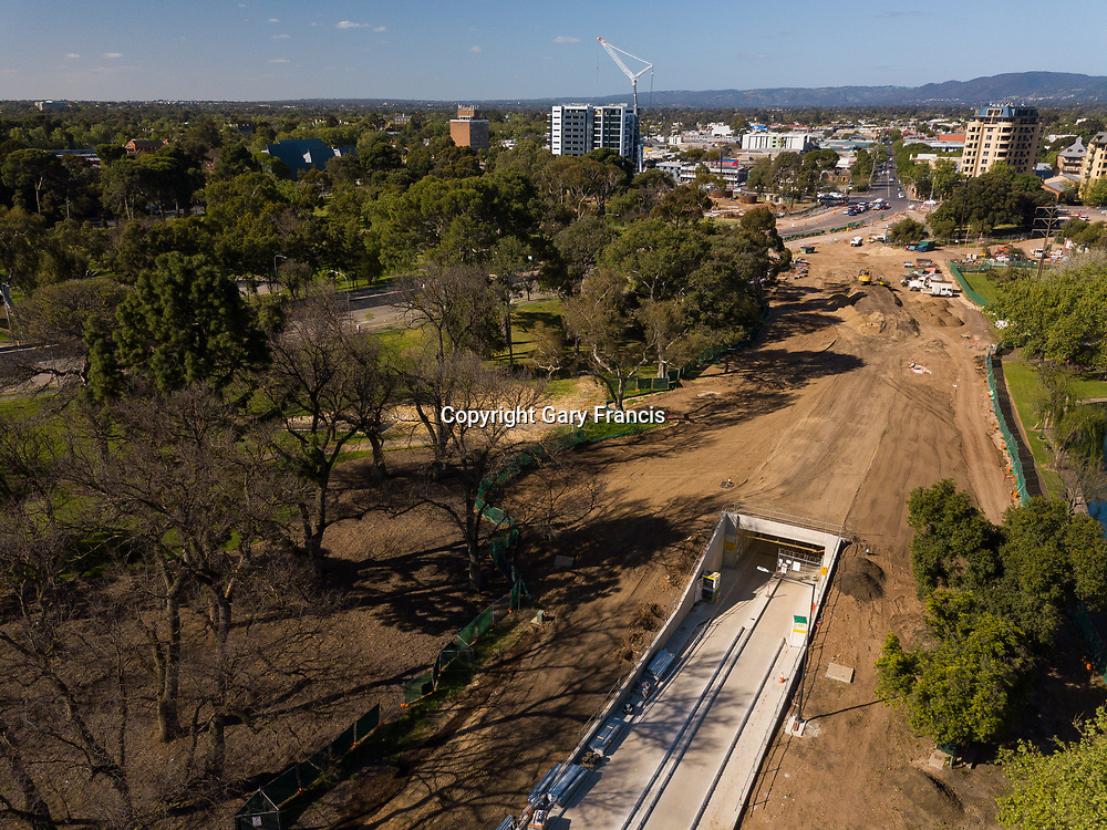O-Bahn City Access Project construction by MacDow, Adelaide, Australia - images taken in 9 Oct 17