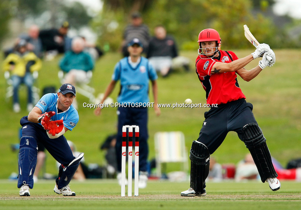 Canterbury batsman Rob Nicol with Gareth hopkins keeping for Auckland. Canterbury Wizards v Auckland Aces in the One Day Competition Final. QEII Park, Christchurch, New Zealand. Sunday, 13 February 2011. Joseph Johnson / PHOTOSPORT.
