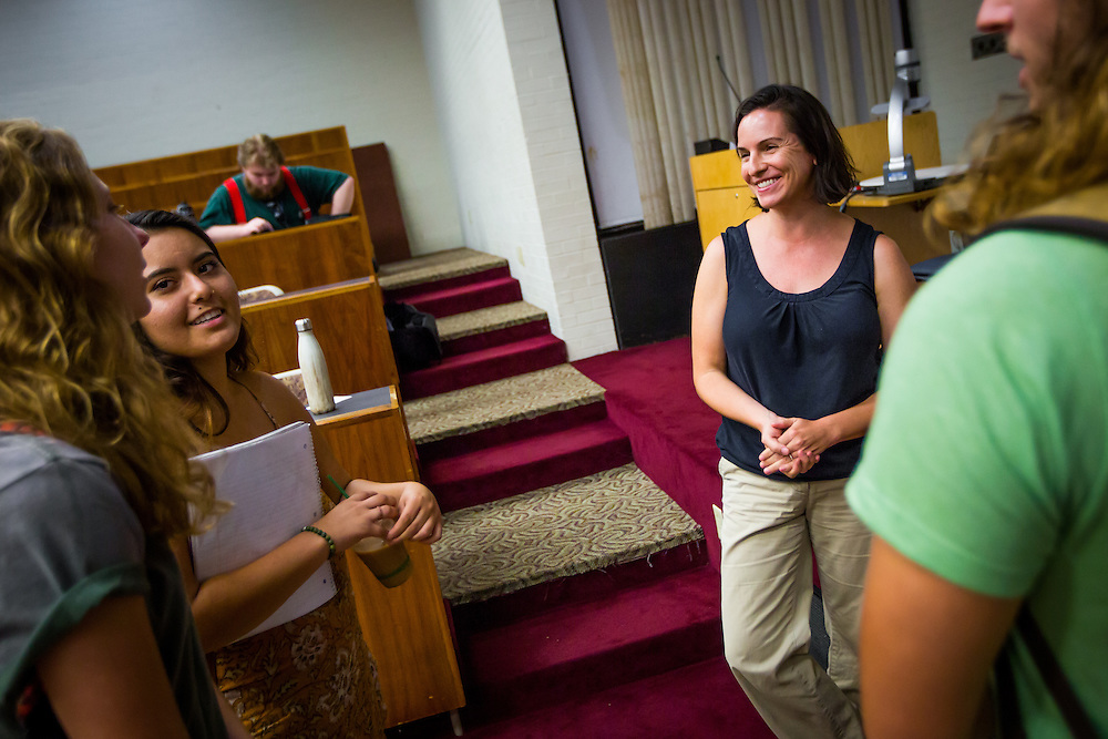 SARASOTA, FL -- August 19, 2016 -- Students at New College of Florida take sample classes during orientation week for the start of the 2016-17 academic year. (PHOTO / New College of Florida, Chip Litherland)