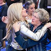 NLD/Amsterdam/20170507 - Gehandicapte Mis(s) verkiezing 2017, Lucille Werner en haar moeder