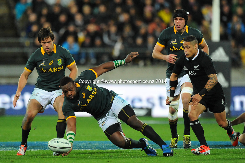 South African Tendai Mtawarira during the Rugby Championship Rugby Union Test Match New Zealand All Blacks v South Africa. Westpac Stadium, Wellington, New Zealand. Saturday 13 September 2014. Photo: Chris Symes/www.photosport.co.nz
