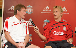 BANGKOK, THAILAND - Tuesday, July 21, 2009: Liverpool's Kenny Dalglish and Dirk Kuyt during a kids training session sponsored by Adidas at the Chulalong Stadium during the team's preseason tour of Asia. (Pic by David Rawcliffe/Propaganda)