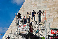 Roma, 27 Febbraio 2014<br /> Movimenti per il Diritto all'Abitare continuano l'occupazione della  Piramide in solidarietà con i 17  attivisti arrestati per  gli scontri con la polizia del 31 ottobre a via del Tritone.<br /> Roma, Italy. 27th February 2014 -- Housing rights activists continue the occupation of the  Pyramid in solidarity with 17 activists arrested over clashes with police, the 31 October at Via del Tritone.