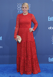 Busy Phillips  bei der Verleihung der 22. Critics' Choice Awards in Los Angeles / 111216