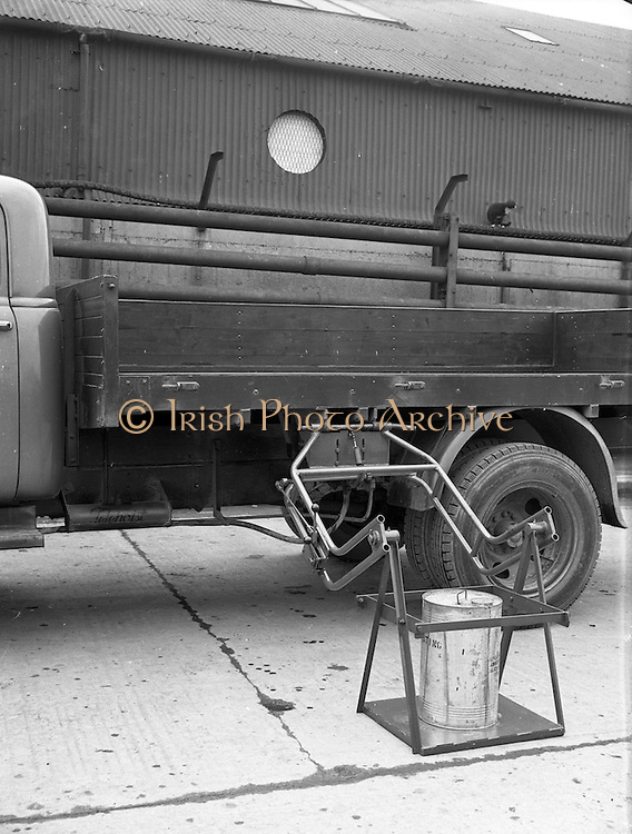 19/02/1953<br /> 02/19/1953<br /> 19 February 1953<br /> Demonstration at McCairns Motors Ltd., Alexandra Road Dublin of new truck attachment the &quot;Tele Hoist&quot; for loading lorries.