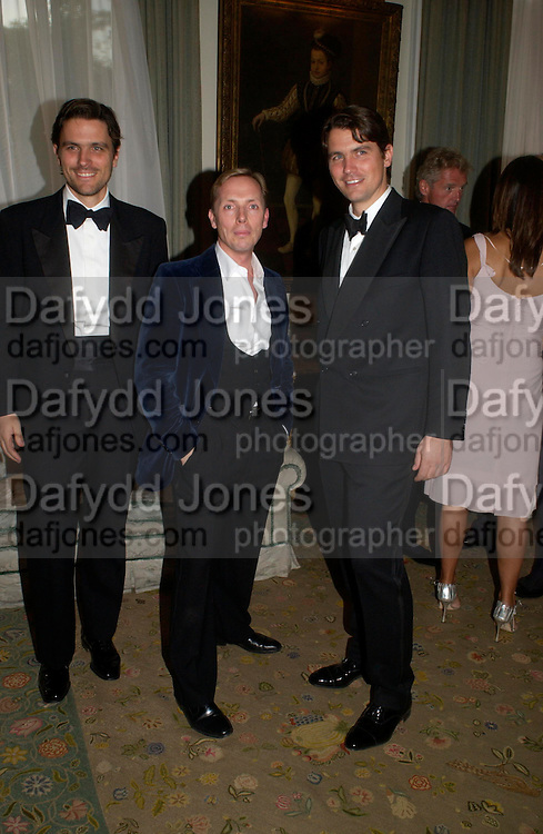 James Ferragamo, Graeme Black and Salvatore Ferragamo. An Evening in honour of Salvatore Ferragamo hosted by the Ambassador of Italy. The Italian Embassy, 4 Grosvenor Square. London W1. 8 June 2005. ONE TIME USE ONLY - DO NOT ARCHIVE  © Copyright Photograph by Dafydd Jones 66 Stockwell Park Rd. London SW9 0DA Tel 020 7733 0108 www.dafjones.com