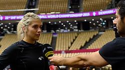 19-12-2015 DEN: World Championships Handball 2015 Training Oranje, Herning<br /> Na een rustige training werd er een persmoment gehouden / Estavana Polman #79