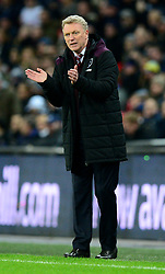 West Ham United manager David Moyes applauds his sides effort. - Mandatory by-line: Alex James/JMP - 04/01/2018 - FOOTBALL - Wembley Stadium - London, England - Tottenham Hotspur v West Ham United - Premier League