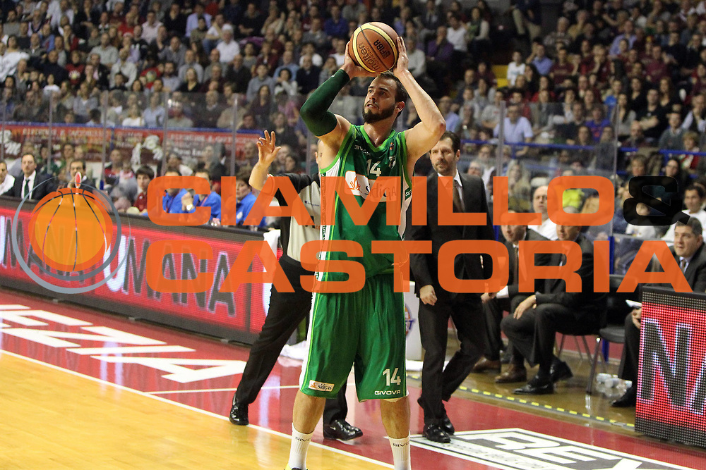 DESCRIZIONE : Venezia Lega A 2012-13 Umana Reyer Venezia Sidigas Avellino<br /> GIOCATORE : nikola dragovic<br /> CATEGORIA :  tiro<br /> SQUADRA : Umana Reyer Venezia Sidigas Avellino<br /> EVENTO : Campionato Lega A 2012-2013<br /> GARA : Umana Reyer Venezia Sidigas Avellino<br /> DATA : 06/01/2013<br /> SPORT : Pallacanestro<br /> AUTORE : Agenzia Ciamillo-Castoria/G.Contessa<br /> Galleria : Lega Basket A 2012-2013<br /> Fotonotizia :  Venezia Lega A 2012-13 Umana Reyer Venezia Sidigas Avellino<br /> Predefinita :