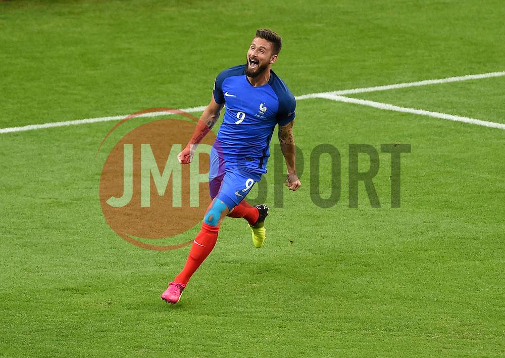 Olivier Giroud of France celebrates his goal  - Mandatory by-line: Joe Meredith/JMP - 10/06/2016 - FOOTBALL - Stade de France - Paris, France - France v Romania - UEFA European Championship Group A