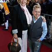 NLD/Amsterdam/20101010 - Premiere Sinterklaas en het Pakjes Mysterie, Pamela Teves en Richard de Ruiter