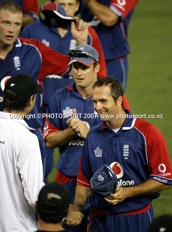England captain Michael Vaughan shakes hands with Stephen Fleming at the conclusion of the international one day cricket match between New Zealand and England at the GABBA, Brisbane, Tuesday 6 February 2007.England batted first and scored 270 and won the match to reach the finals vs Australia. Photo: Andrew Cornaga/PHOTOSPORT<br />