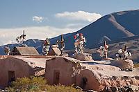 TUMBAS EN LOS ALREDEDORES DE LA POMA, VALLES CALCHAQUIES, PROV. DE SALTA, ARGENTINA