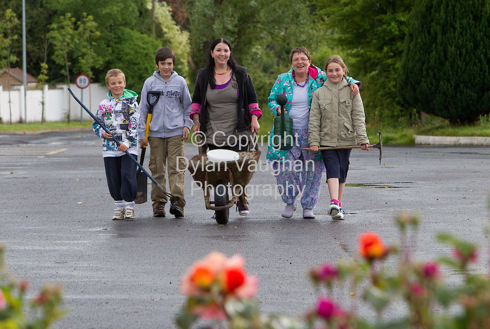 8/6/2011.From left Jack Shannon 9, Dylan Fenlon 12, Rachel Hanlon, Emma Allott and Amy Byrne 11 pictured out cleaning in Lisronagh County Tipperary..Picture Dylan Vaughan.