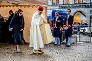 AMSTERDAM - Een Ambassadeur komt aan bij het Koninklijk Paleis waar koning Willem-Alexander en koningin Maxima een nieuwjaarsontvangst houden voor genodigden. ANP ROYAL IMAGES ROBIN UTRECHT