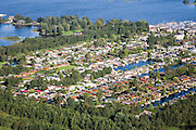Nederland, Utrecht, Loosdrecht, 08-09-2006;  ; Loosdrechtsche Plassen, caravanpark met stacaravans, recreatie, watersport, vrije tijd; luchtfoto (toeslag); aerial photo (additional fee required); .foto Siebe Swart / photo Siebe Swart