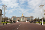 UNITED KINGDOM, London: 01 April 2020 Buckingham Palace and The Mall this morning. The image shows the extent of both how desolate the city has become since the nation was told to stay indoors to prevent the spread of the coronavirus, but also brings attention to how symmetrical London can be. <br /> Rick Findler / Story Picture Agency