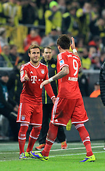 23.11.2013, Signal Iduna Park, Dortmund, GER, 1. FBL, Borussia Dortmund vs FC Bayern Muenchen, 13. Runde, im Bild Wechsel zwischen Mario Goetze #19 (FC Bayern Muenchen), Mario Mandzukic #9 (FC Bayern Muenchen) // during the German Bundesliga 13th round match between Borussia Dortmund and FC Bayern Munich at the Signal Iduna Park in Dortmund, Germany on 2013/11/23. EXPA Pictures &copy; 2013, PhotoCredit: EXPA/ Eibner-Pressefoto/ Schueler<br /> <br /> *****ATTENTION - OUT of GER*****