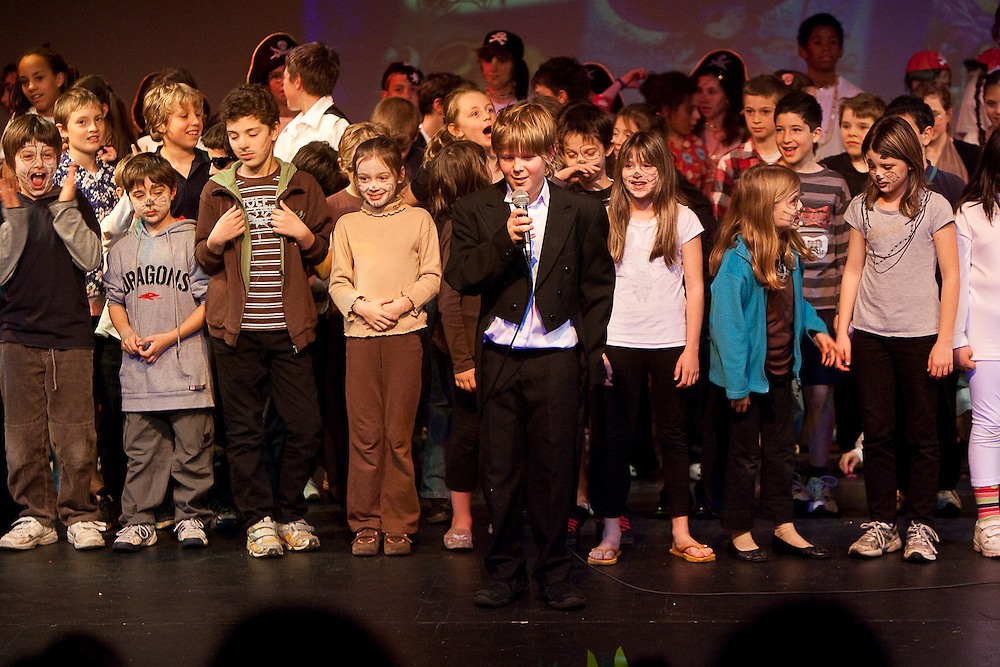 August 6th 2009: Melbourne: Caulfield Junior College Senior School performance.