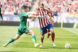 02.04.2016, Estadio San Mames, Bilbao, ESP, Primera Division, Athletic Club vs Real Betis, 31. Runde, im Bild Atletico de Madrid's Filipe Luis and Real Betis's A. Cejudo // during the Spanish Primera Division 31th round match between Athletic Club and Real Betis at the Estadio San Mames in Bilbao, Spain on 2016/04/02. EXPA Pictures © 2016, PhotoCredit: EXPA/ Alterphotos/ Borja B.Hojas<br /> <br /> *****ATTENTION - OUT of ESP, SUI*****