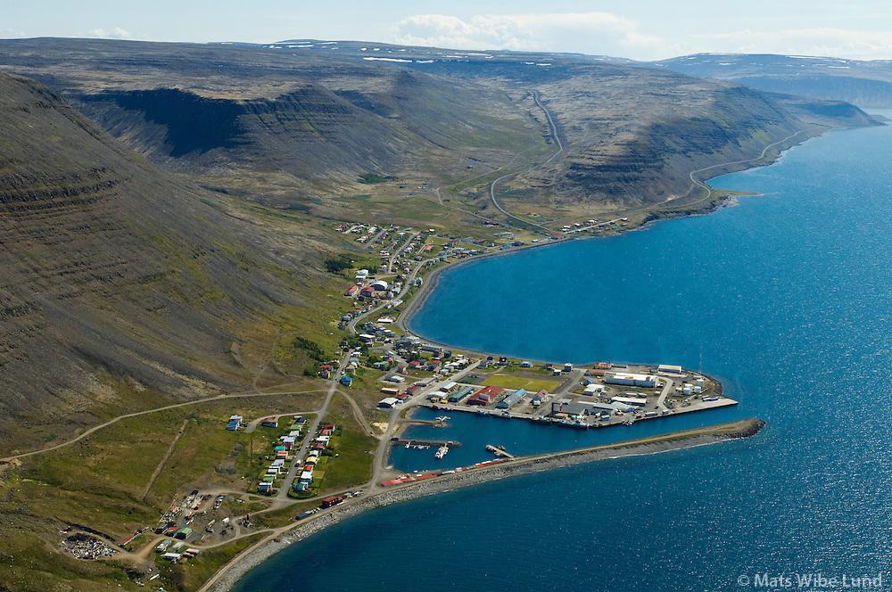 Patreksfjörður séð til suðausturs, Vesturbyggð / Patreksfjordur viewing southeast, Vesturbyggd
