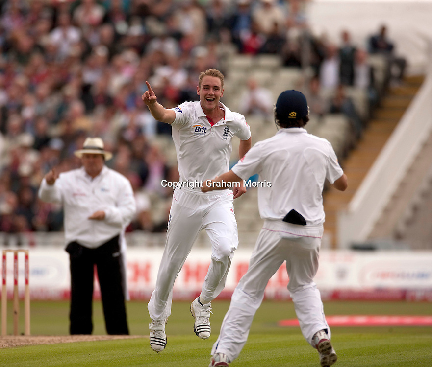 Stuart Broad celebrates taking the wicket of Imran Farhat during the second npower Test Match between England and Pakistan at Edgbaston, Birmingham.  Photo: Graham Morris (Tel: +44(0)20 8969 4192 Email: sales@cricketpix.com) 06/08/10