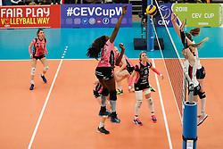 20180110 NED: CEV CUP Sliedrecht Sport - Beziers Angels VB: Sliedrecht<br />Krystal Rivers (13) of Beziers VB, Christie Wolt (1) of Sliedrecht Sport <br />©2018-FotoHoogendoorn.nl / Pim Waslander