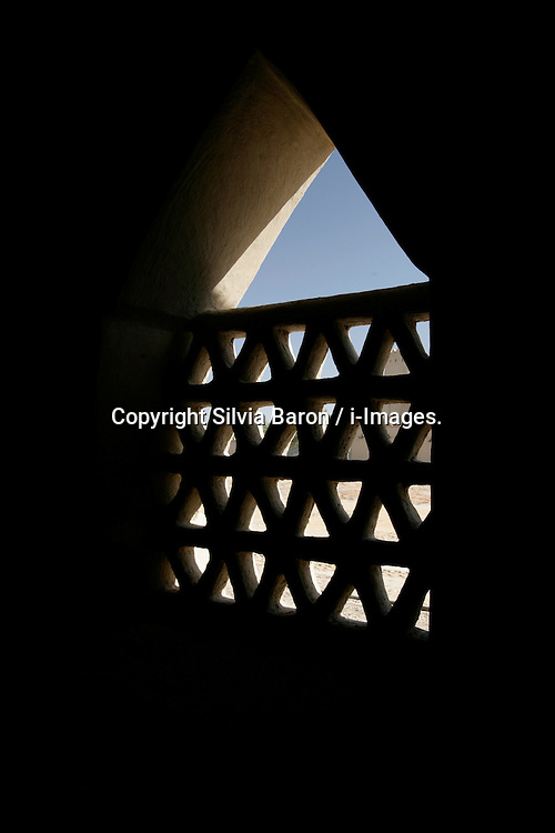 Al jahili fort tower in  Al ain, Abu Dhabi, UAE, October 20, 2007. Photo by Silvia Baron / i-Images.