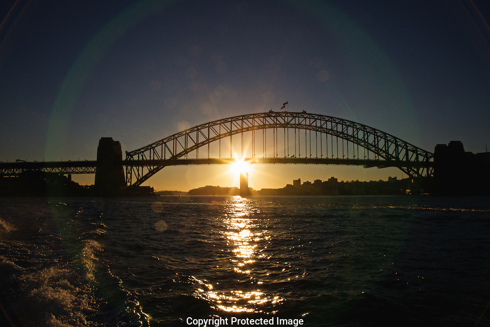 Sunset over Sydney Harbour Bridge, Sydney, Australia.
