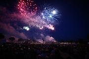 Mannheim. 29.07.17 | ID 045 |<br /> Maimarktgel&auml;nde. Pyrogames. Feuerwerker in vier Teams z&uuml;nden ihre Feuerwerkchoreografien ab und lassen sich vom Publikum bewerten. <br /> <br /> Bild: Markus Pro&szlig;witz 29JUL17 / masterpress