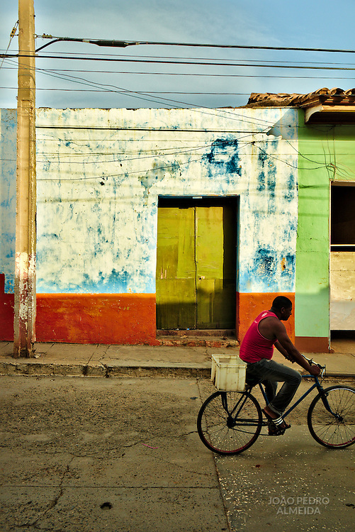 Everyday life in the streets of Trinidad
