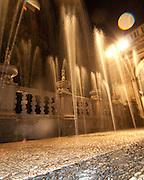 Giochi d'acqua nel NIfeo della Villa Litta Borromeo di Lainate..Water games inside the Ninfeo of the Villa Litta Borromeo in Lainate