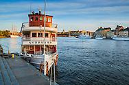 Ångbåten Norrskär vid kaj vid Stockholms ström