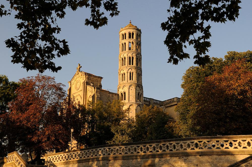 France, Languedoc roussillon, Gard (30), Uzès, la tour Fenestrelle et la cathédrale St. Théodorit
